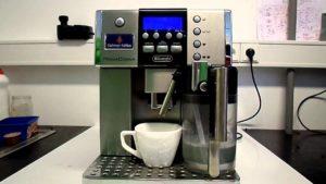 Jak nastavit DeLonghi ESAM 6600 množství a poměr Cappuccino